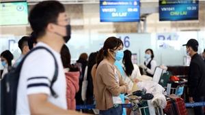 Phạt tiền hành khách không đeo khẩu trang ở sân bay