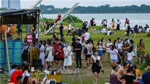 Hà Nội: Phạt chủ quán ở bãi đá sông Hồng 17,5 triệu vì vi phạm quy định về phòng, chống dịch