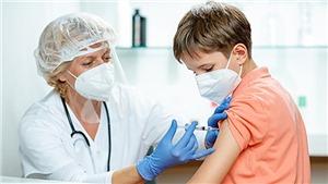 Dịch Covid-19: EU cho phép sử dụng vaccine của Pfizer cho trẻ 12-15 tuổi