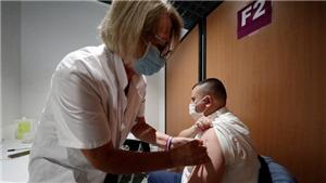 Pháp lấy tiêm chủng là 'vũ khí' hàng đầu chống dịch Covid-19