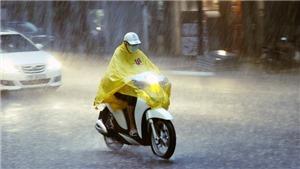 Bắc Bộ, Nam Bộ mưa dông, cảnh báo lốc, sét và gió giật mạnh