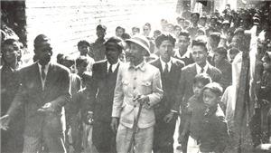 Ảnh = Ký ức = Lịch sử (Kỳ 4): Hình ảnh Chủ tịch Hồ Chí Minh trong một cuốn album quý