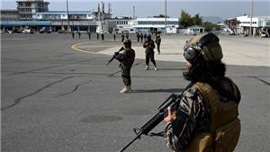 Anh cảnh báo tấn công bằng máy bay không người lái nếu Taliban không kiềm chế các nhóm khủng bố