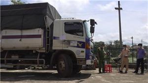 Tạm giữ tài xế và phụ xe 'thông chốt' kiểm dịch Covid-19 liên tỉnh