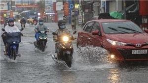 Áp thấp nhiệt đới gây mưa lớn từ Hà Tĩnh đến Cà Mau