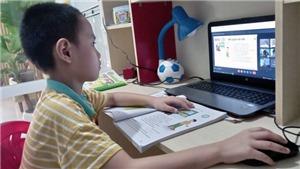 Xuất hiện các ca mắc Covid-19, học sinh Hải Dương, Bình Định chuyển sang học trực tuyến