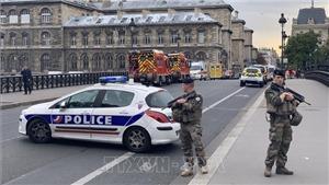 Kẻ tấn công cảnh sát ở Paris bị phát hiện thu thập thông tin cá nhân của nhiều đồng nghiệp