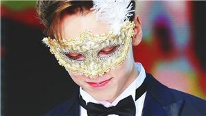 'Nín thở' vớivẻ đẹp tựa chàng Romeo của Vernon (Seventeen)tại Golden Disc Awards