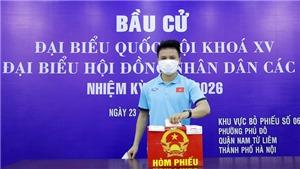 Quang Hải, Công Phượng và các VĐV Việt Nam nô nức đi bầu cử