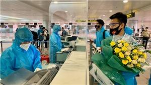 VIDEO: Đội tuyển Việt Nam đã về đến TPHCM, xét nghiệm COVID vào ngày mai
