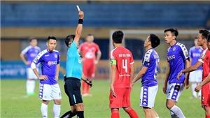 Văn Quyết mất danh hiệu Cầu thủ xuất sắc nhất V-League vì thẻ và án phạt