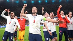 Người quan sát: 25 năm của bóng đá Anh