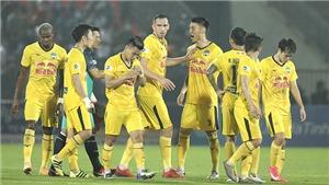 Chuyên gia bóng đá Trần Bình Sự: 'HLV Kiatisuk đã giải quyết triệt để mâu thuẫn giữa Xuân Trường và Kim Dong Su'