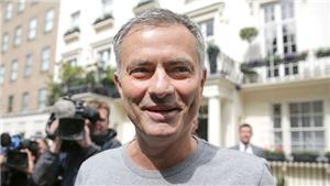 12 năm sau sự cố 'chó cưng', Mourinho cuối cùng cũng yêu London