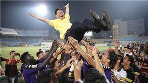 CLB Hà Nội vô địch V-League 2018: Hãy cứ vui đi...