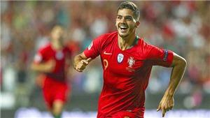 Andre Silva khiến người Italy nhận quả báo