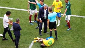 Vì giấc mơ Cúp vàng World Cup, Tite tự tay tát mình!