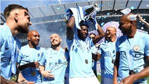Yaya Toure chia tay Man City: Tạm biệt một tượng đài