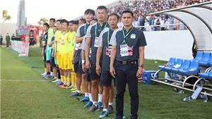 Bóng đá Việt Nam muôn màu nghiệp cầm quân