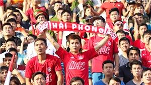 Bóng đá chuyên nghiệp nhìn từ khán giả: 'Tiền đạo' không bằng... tiền mặt