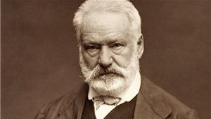 Tiết lộ 'đêm tân hôn tàn bạo', Victor Hugo từng 'mây mưa' 9 lần