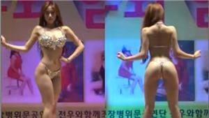 Người Hàn tranh cãi về màn diễn nhức mắt của dàn mẫu tại căn cứ quân sự