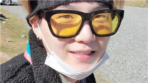 Suga tung những bức ảnh mới từ điểm quay phim ở hải ngoại của BTS