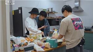 Các chàng trai BTS trổ tài làm món gà rán, ngon như nhà hàng