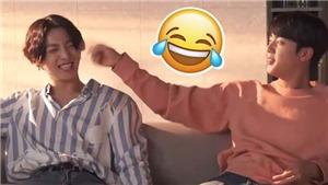 'Cưng xỉu' khoảnh khắc ngoài đời giữa anh cả và em út của BTS