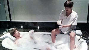 BTS: ARMY đã hét lên khi Jin chia sẻ chuyện từng… tắm chung với V
