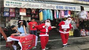 Đà Nẵng nở rộ dịch vụ giao quà Giáng sinh tận nhà