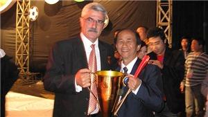 Bóng đá Việt rất cần… tiếng hát