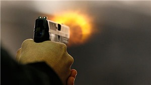 Cán bộ biên phòng nổ súng khiến nhiều người bị thương đã tự sát