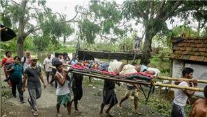 Lầu đầu tiên trong hơn 7 thập kỷ bão lớn đổ bộ vào thành phố Mumbai của Ấn Độ