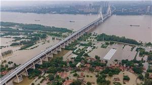 Nhiều tỉnh thành tại Trung Quốc ban bố cảnh báo đỏ về lũ lụt