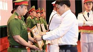 Hà Nội: Khen thưởng các tập thể, cá nhân tham gia đấu tranh phá vụ cướp tại Ngân hàng