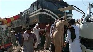 Tai nạn đường sắt thảm khốc tại Pakistan - Hai tàu hỏa va vào nhau trong hầm qua núi tại Thụy Sĩ