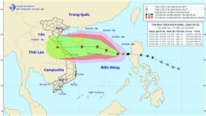 Đêm 21/10, bão số 8 gây mưa dông mạnh ở vùng biển từ Bình Thuận đến Cà Mau