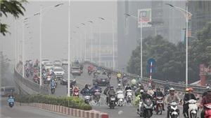 Cuối tuần Bắc Bộ nắng ấm dần, Trung Bộ có mưa dông kèm nguy cơ lốc, sét và gió giật mạnh