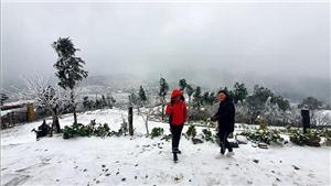 Lào Cai: Mưa tuyết trắng trời Sa Pa và Y Tý