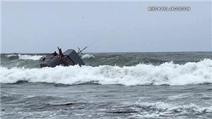 Lật tàu ở San Diego Mỹ gây nhiều thương vong
