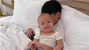 'Cưng xỉu' với loạt biểu cảm của Leon bên anh trai Subeo