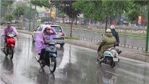 Đêm 4/8 cả nước có mưa dông, đề phòng thời tiết nguy hiểm