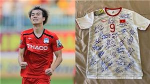 Cầu thủ Việt Nam và những hành động nhân văn