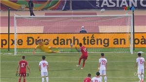 Việt Nam vs Oman: Văn Toản may mắn thoát thua từ chấm phạt đền