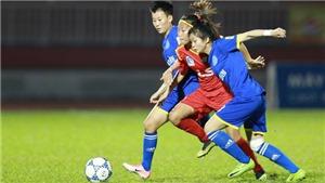 SỐC!!! Các nữ cầu thủ đánh nhau khủng khiếp trên sân Thống Nhất ở Bán kết giải VĐQG