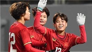 Cô gái 1m52 làm 'người hùng' bóng đá nữ Việt Nam