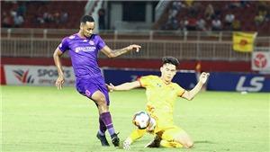 'Sát thủ' V-League khen HLV Vũ Tiến Thành, Phi Sơn