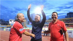 V-League sau vòng 12 'căng như dây đàn'