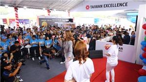 Á hậu Tú Anh, ca sĩ Minh Hằng khuấy động giải Marathon TP.HCM 2018